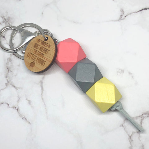 Geo keyring - Rhubarb custard - big hearts (Apple) version