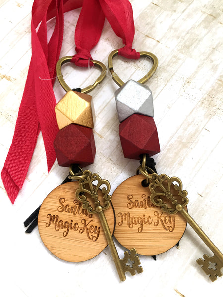 Santa Key - Gold bead, small tag