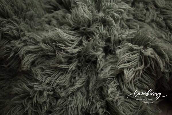 CONIFER GREEN Premium Wool Flokati