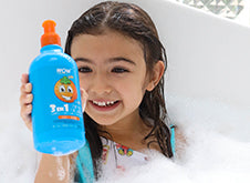 WOW Skin Science Kids Orange 3 in 1 Tip to Toe Wash - Shampoo + Conditioner + Bodywash step3
