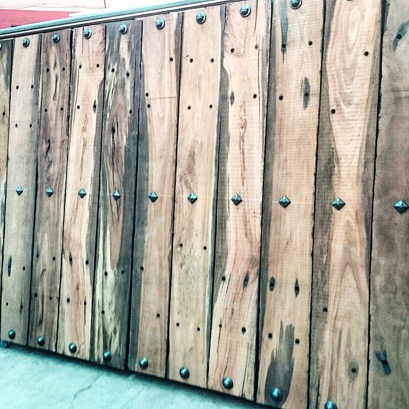 Wood paneling featuring NW/45DD round and NW/49DD square studs.