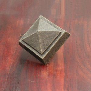 NW/95DD 50 mm square pyramid cap