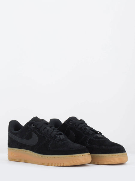 Air force 1 '07 nere in suede