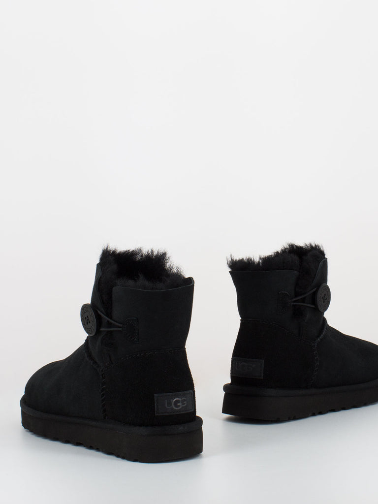 UGG - Mini bailey button II neri
