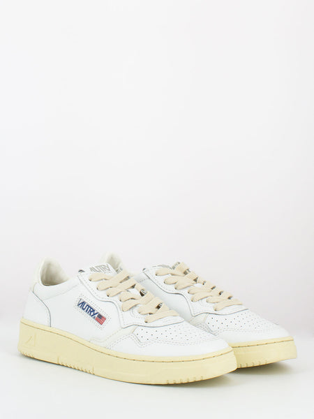 Sneakers 01 total white