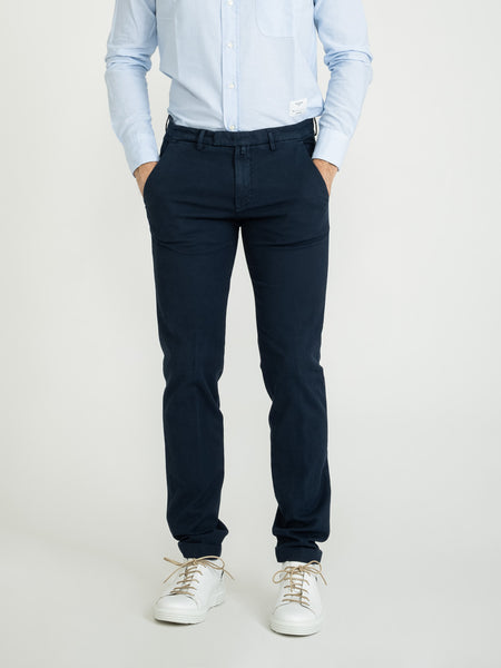 Pantaloni slim oxford blu