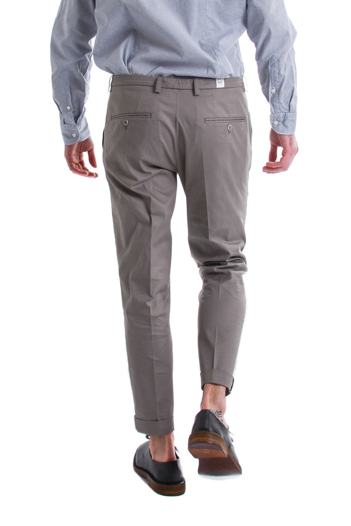 OBVIOUS BASIC - CHINOS CON RISVOLTO TAUPE