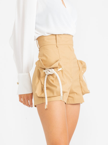 Shorts in gabardina cammello