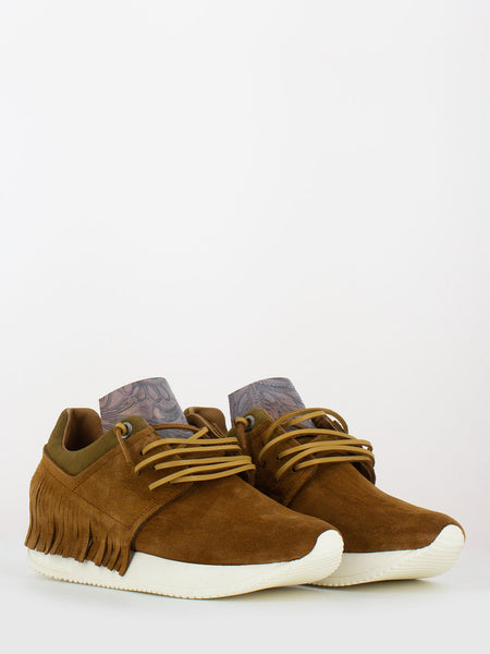 Sneakers in suede cuoio con frange
