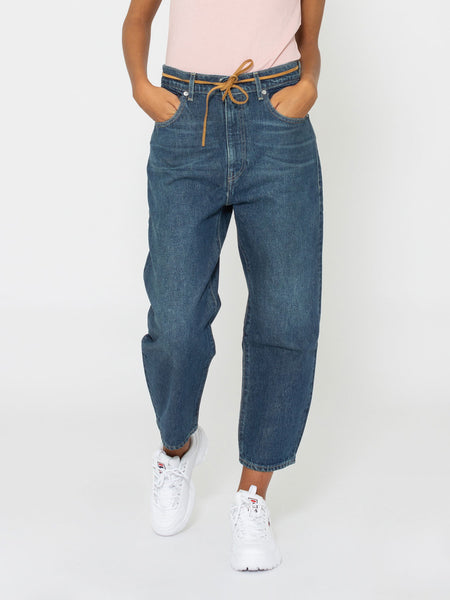Barrel crop denim medio scuro