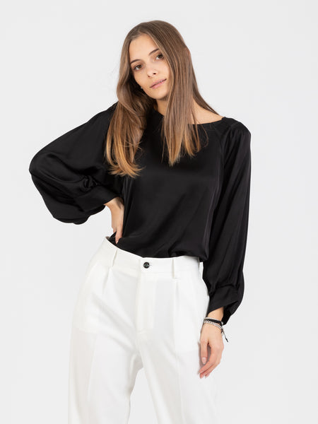 Blusa in viscosa satinata nera