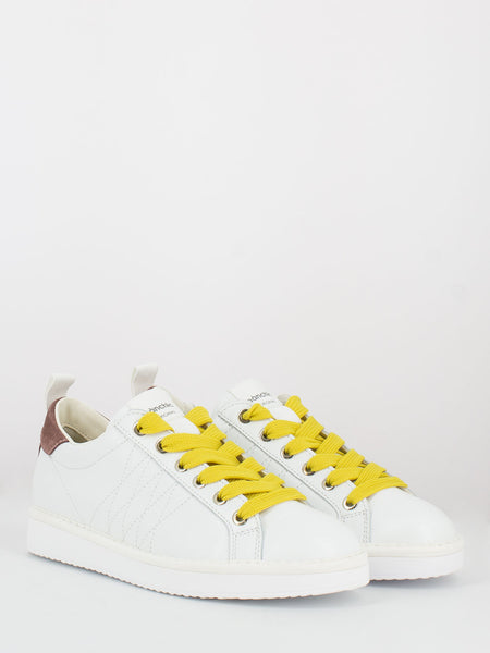 P01 Low Cut white / brownrose / taxi