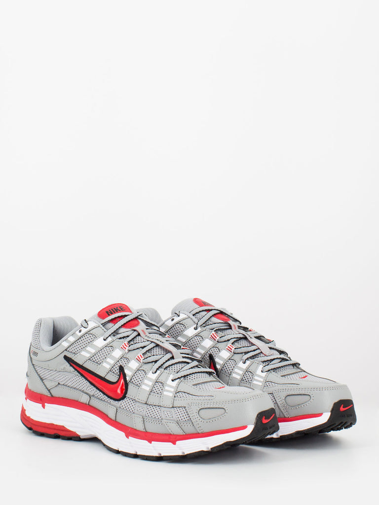 NIKE - P-6000 Football Grey/University Red/Nero