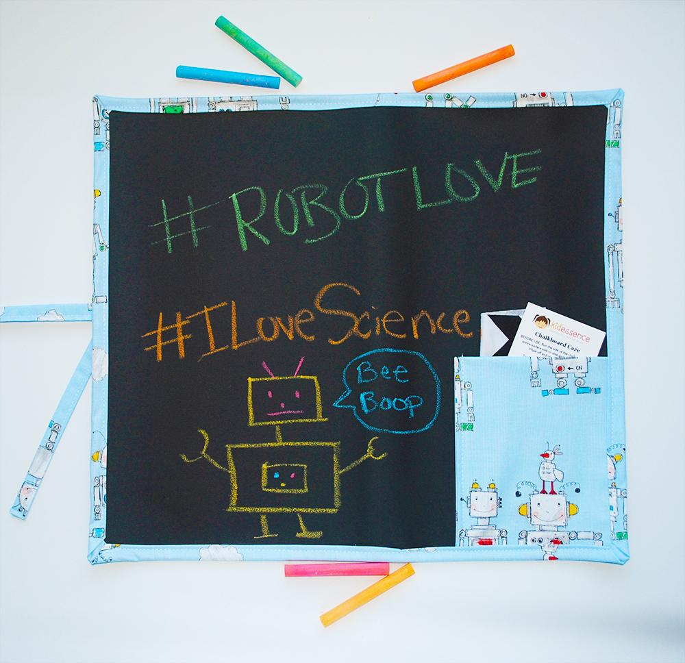 KidEssenceShop: Travel Toys - Robot Love Travel Chalkboard