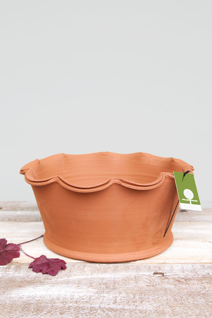 Shallow Scalloped Pot