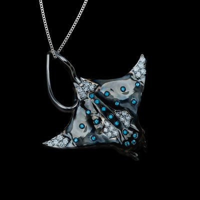 "<span class=""subtitlerp"">See Life Collection</span><br /><br />Manta Ray Pendant Crafted in 18kt White Gold with Black Rhodium Finish"