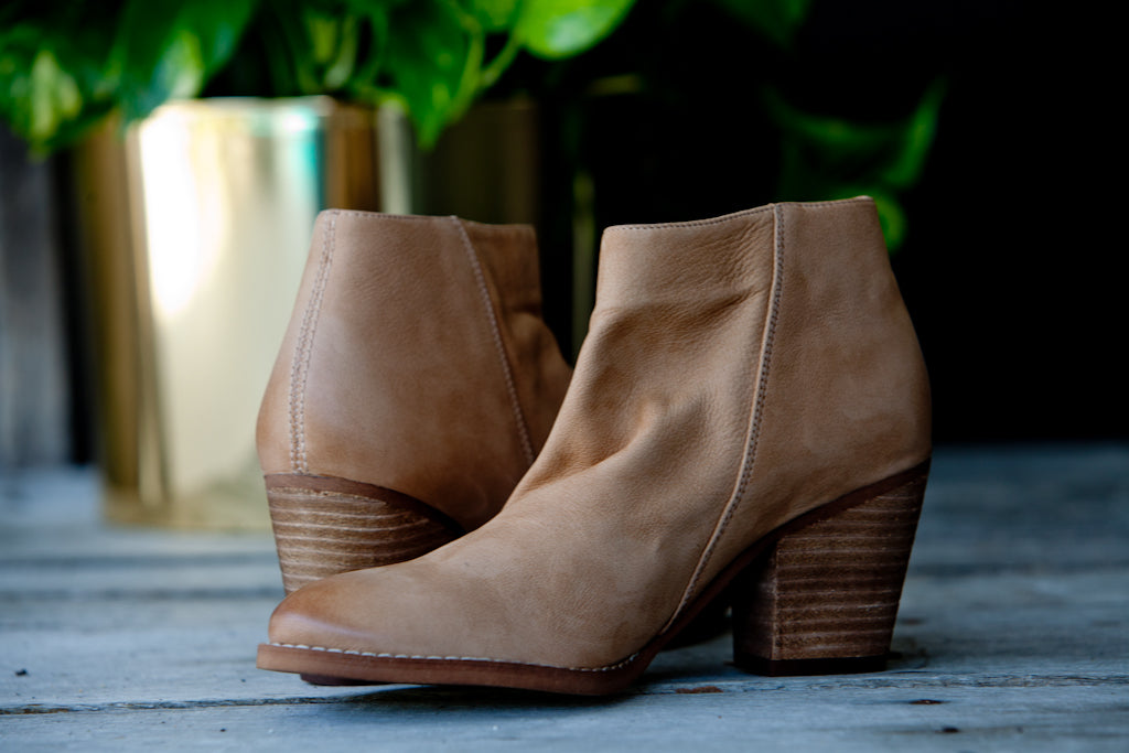 503bcdccae4d52 Sam Edelman - Macon Ankle Bootie - Camel Leather