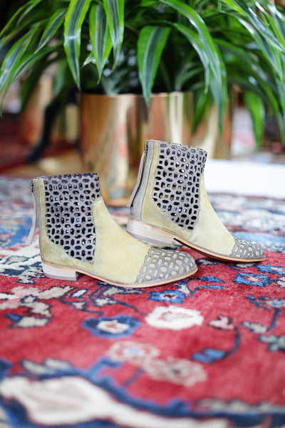 Rebels - Vale Mustard Booties