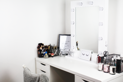 white gloss hollywood mirror with white ikea dressing table