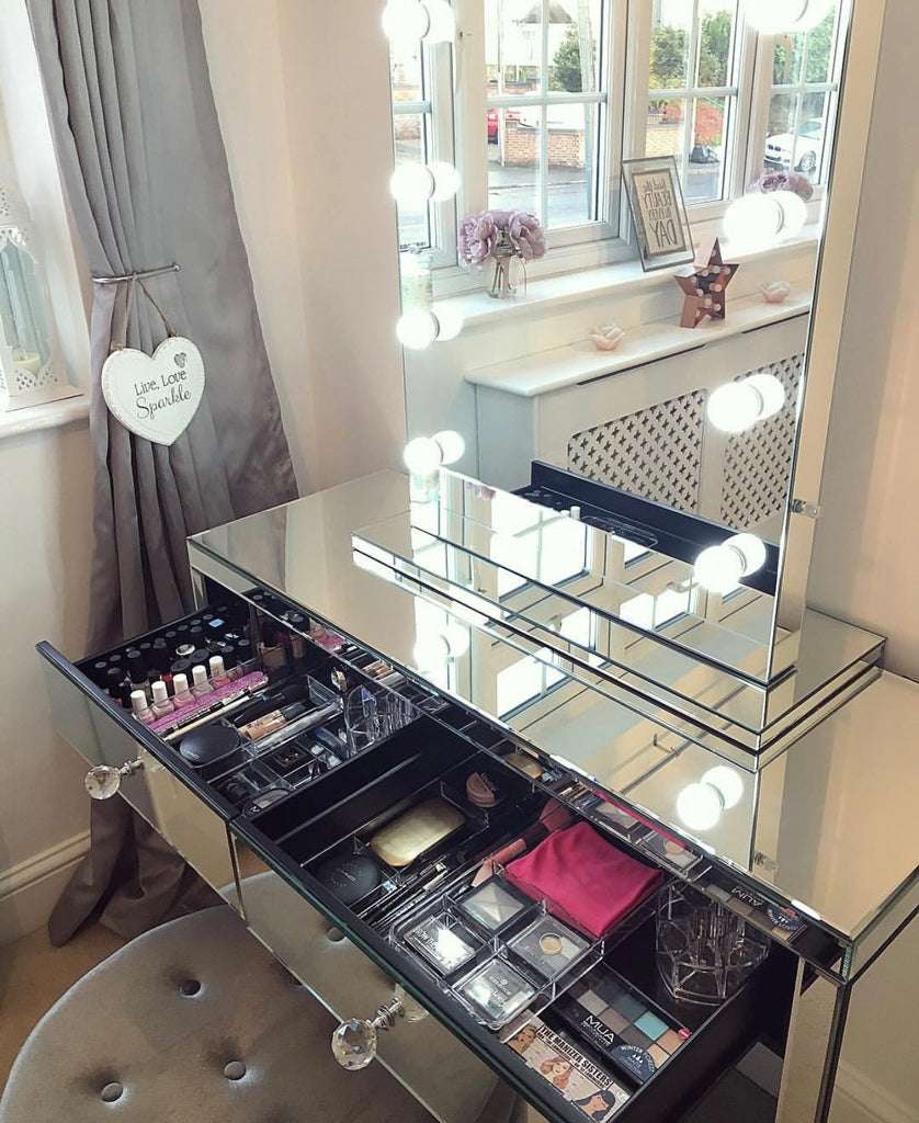 Hollywood Mirror with Mirrored Dressing Table