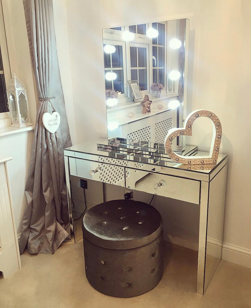 Hollywood Mirror Make Up Dreassing Table