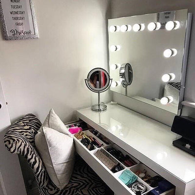 Penelope dressing table mirror with LED lights