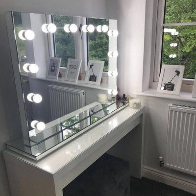 Scarlett Makeup mirror with lights around it Hollywood style