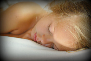 Sleeping-girl-wiki-creative-commons-rachelcalmusa