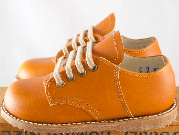 Artie Saddle Shoe in Tan
