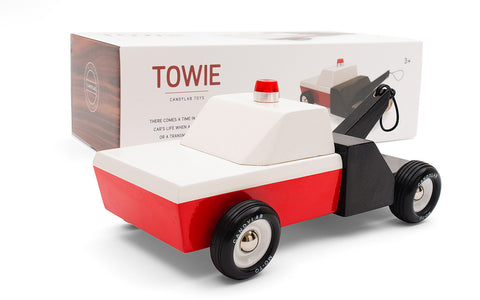 Towie Wooden Tow Truck