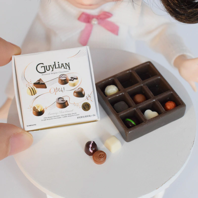 Lovely Mini Guylian Chocolate Set