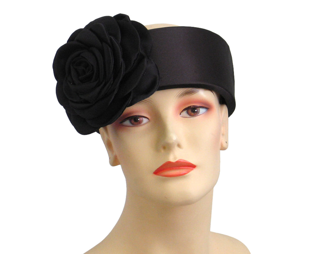 Women's Church Ring Hats in Black