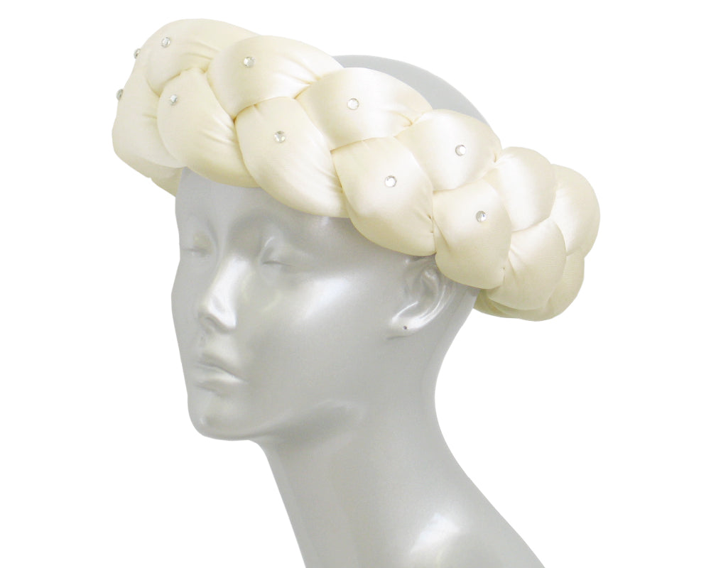 Women's Church Ring Hats in Cream