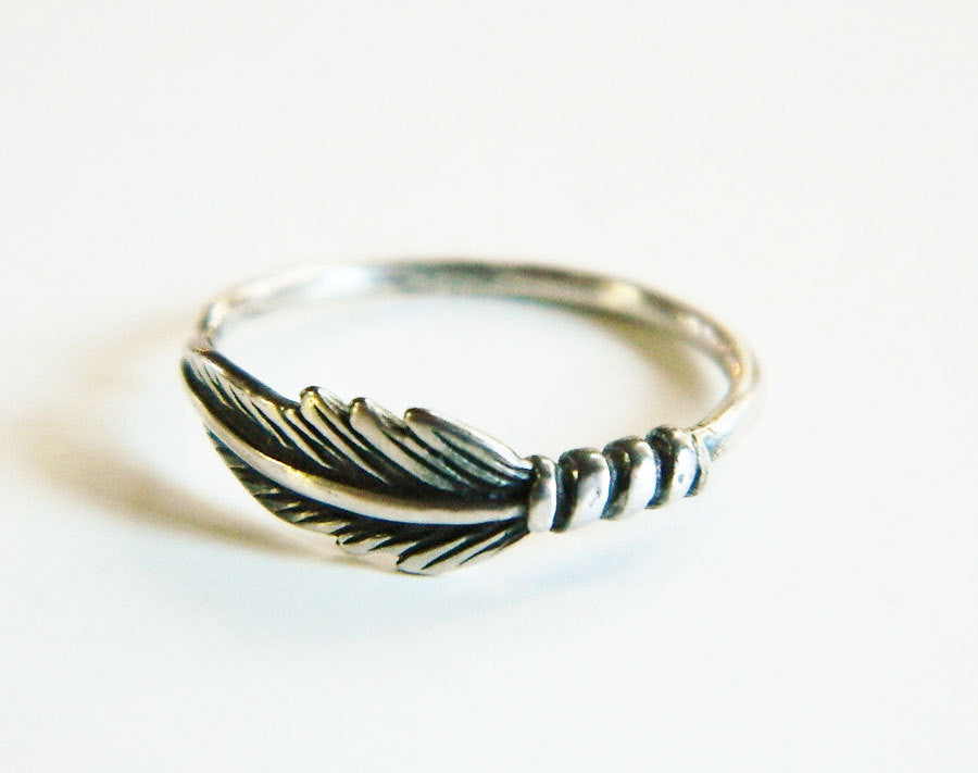 Silver feather ring -  - 1