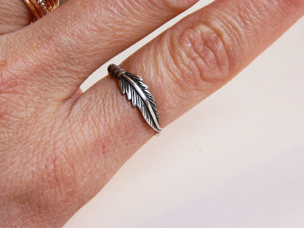 Silver feather ring -  - 5