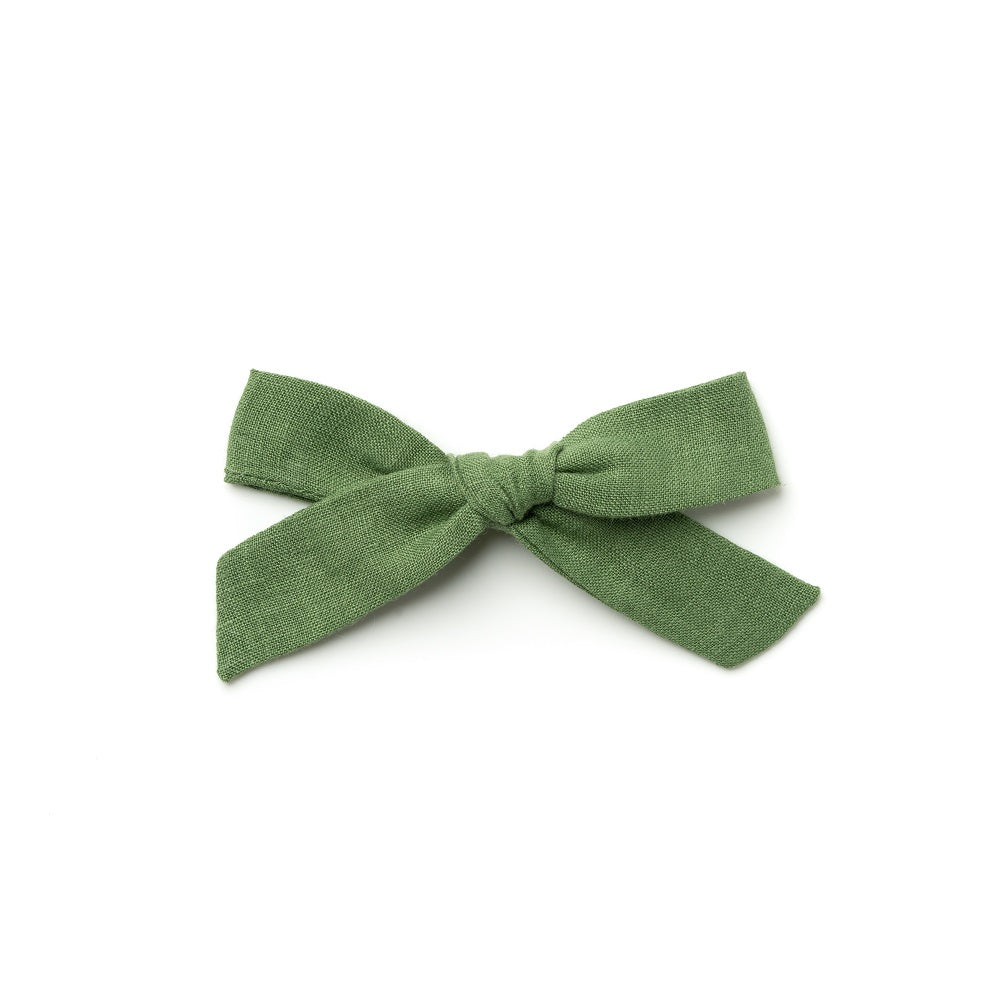 The Lucy Handtied Medium Bow // Sweet Pea