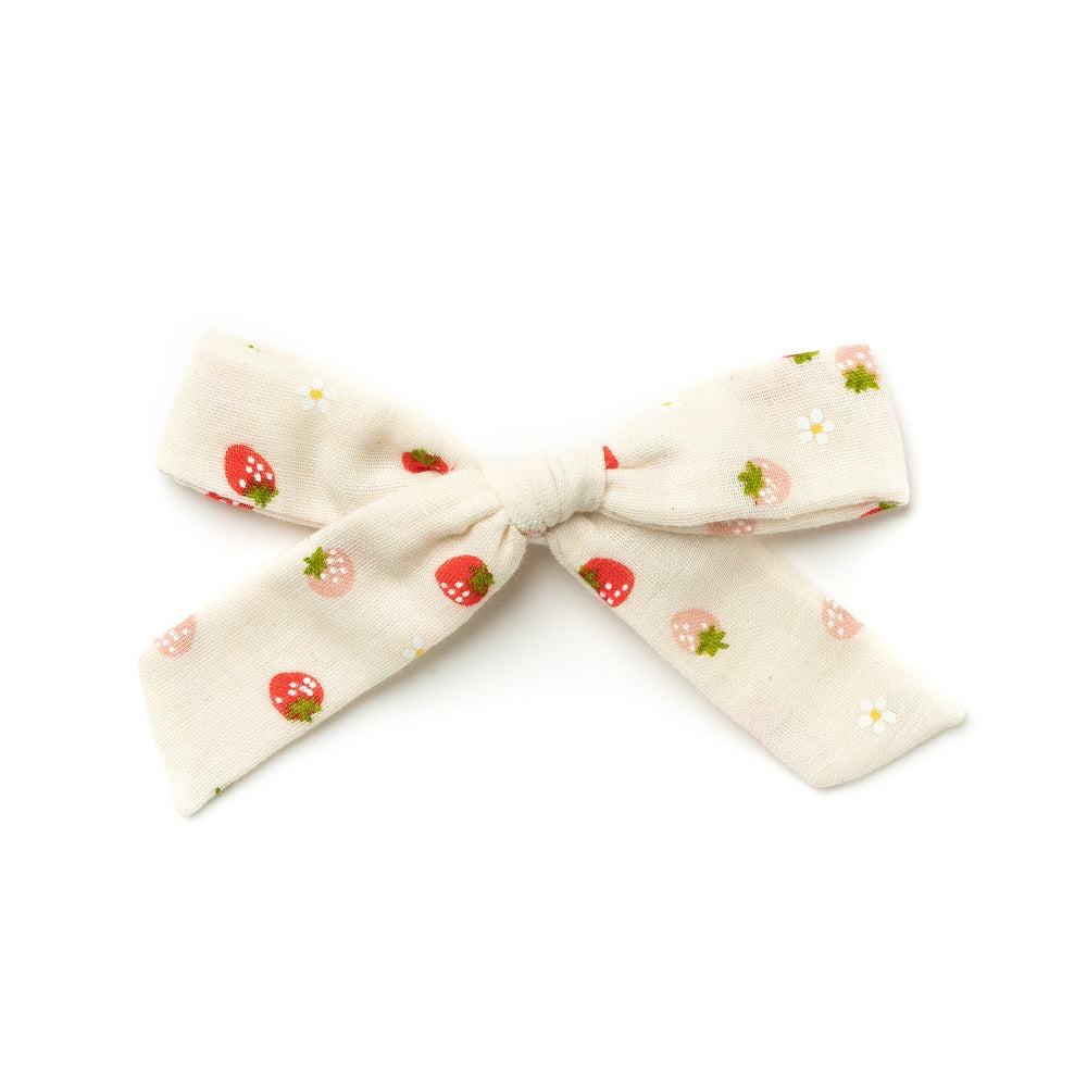 La Grande Oversized Handtied Bow // Strawberry Cream