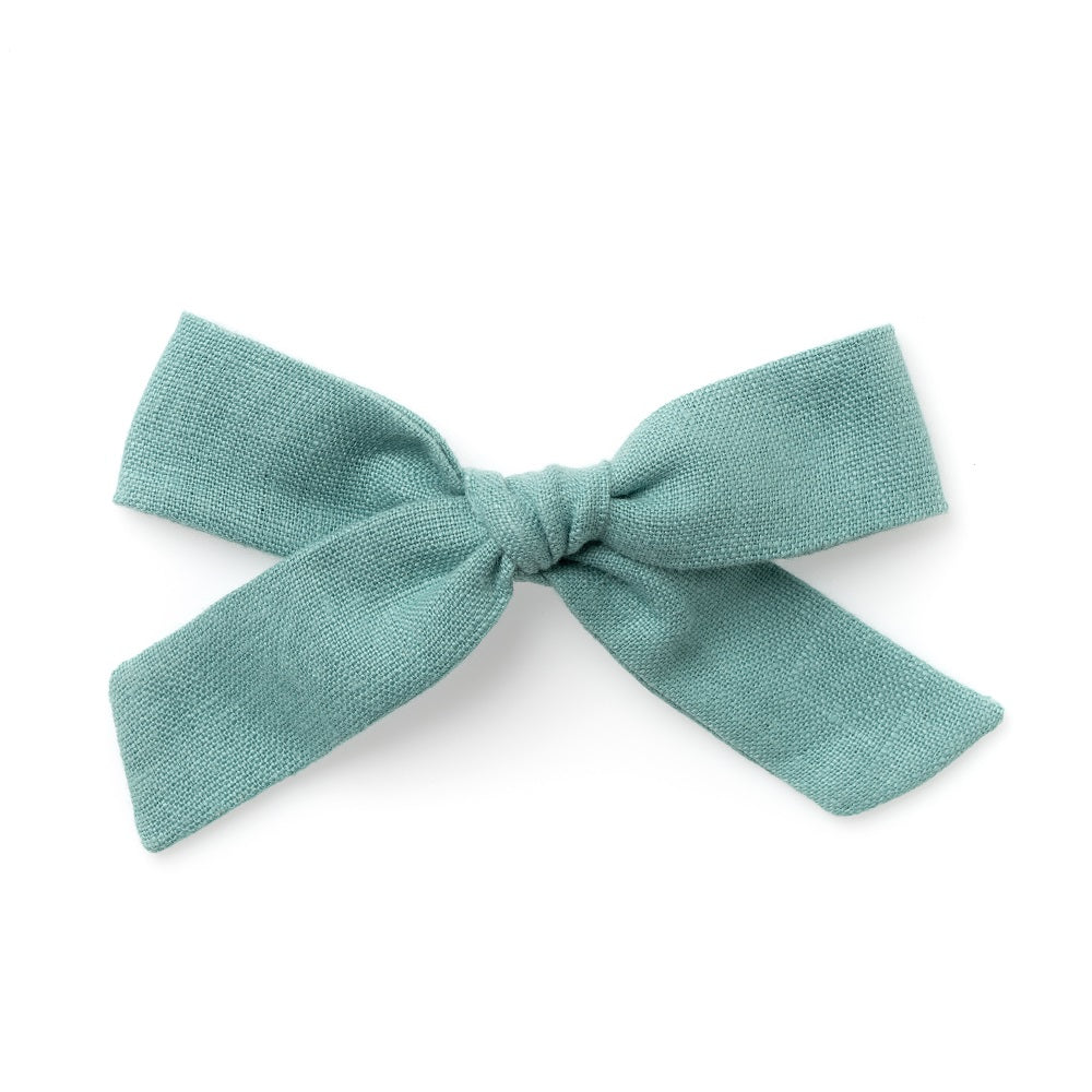 La Grande Oversized Handtied Bow // Cozy Day