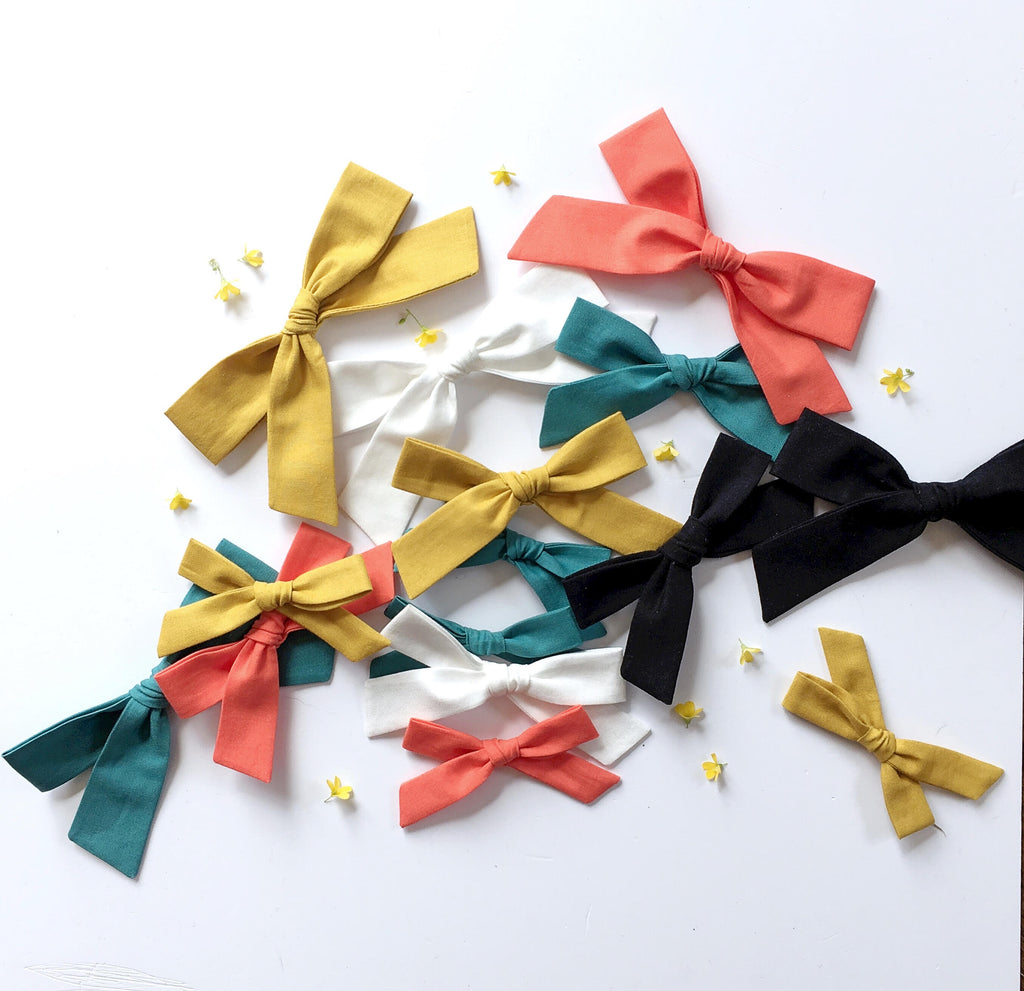 The Lucy Handtied Medium Bow // Ocean