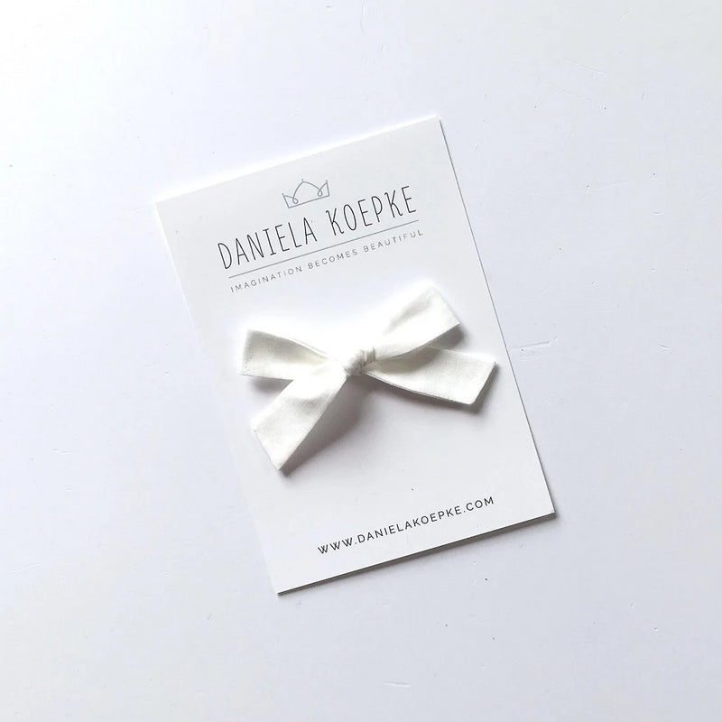 The Lucy Handtied Medium Bow // Milk