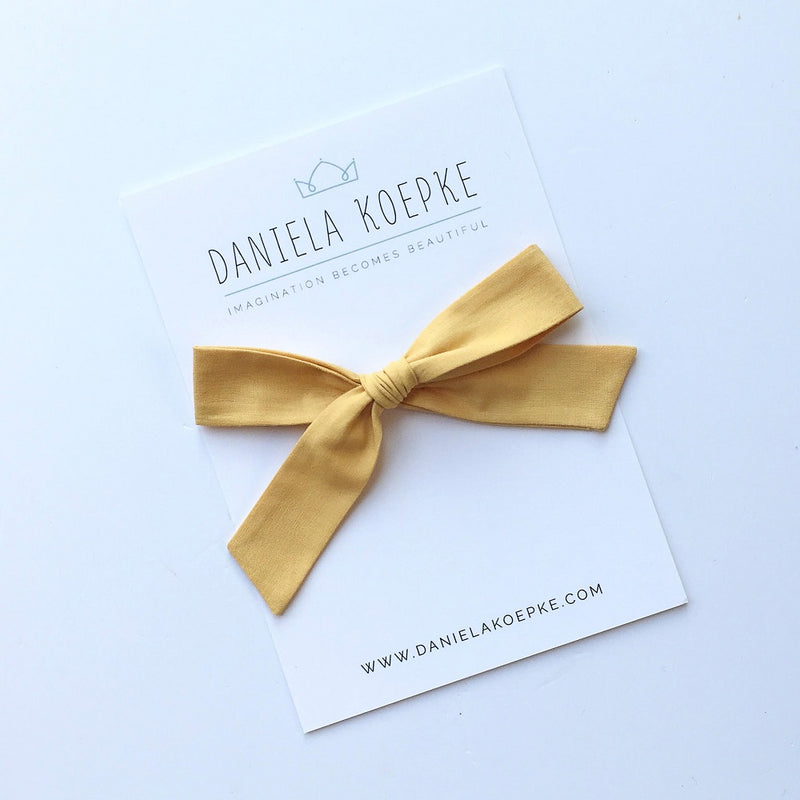 La Grande Oversized Handtied Bow // Honey