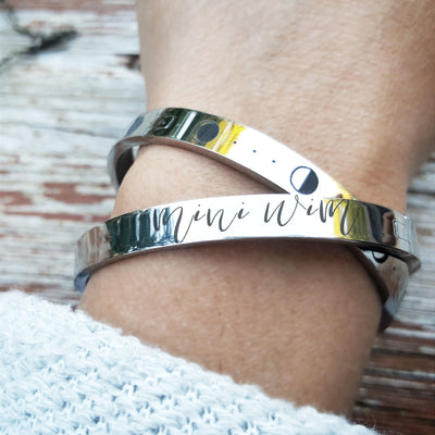 Laser Engraved Personalized Sisters Bangle Bracelet, Custom Name Bracelet, Gift for Her, For Teens, For Mom, For Best Friend, LXJC100137