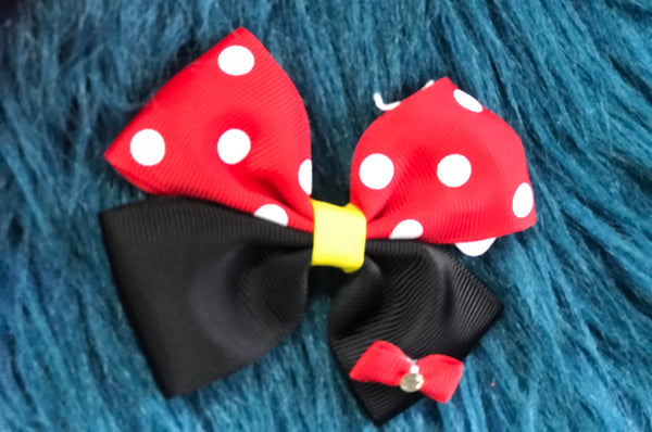 Character Fun Small Minnie Red Clip Hair Bow - JEN'S KIDS BOUTIQUE