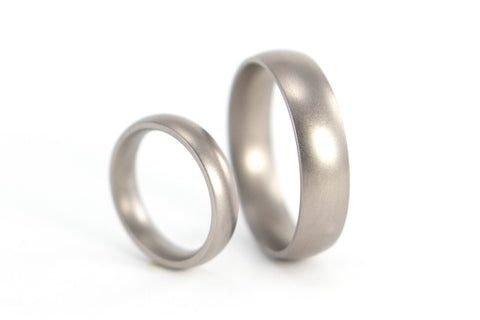 Matte titanium wedding bands (00003_4N7N)