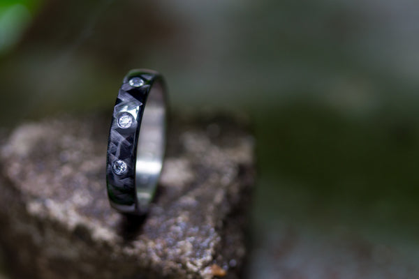 Titanium and carbon fiber ring with Swarovskis (00311_4S3_1)