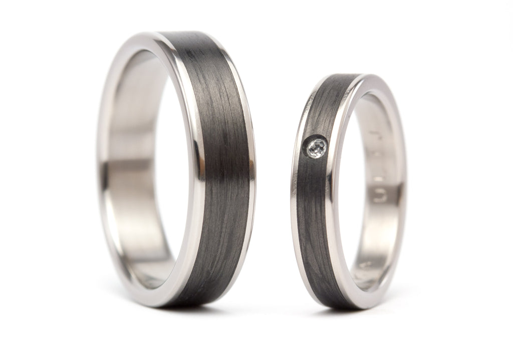 Titanium and carbon fiber wedding bands with Swarovski (00333_4S1_7N)