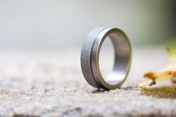 Titanium, concrete and carbon fiber ring (00801_7N)