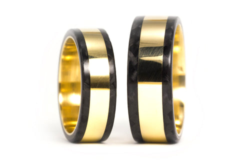 18ct gold and carbon fiber wedding bands (04702_6N8N)