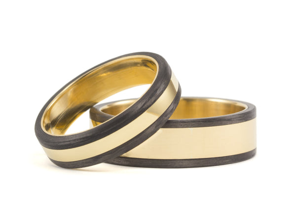 18ct gold and carbon fiber wedding bands (04703_4N6N)