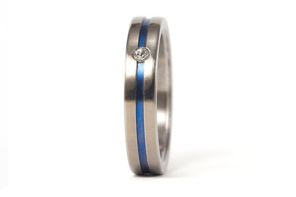 Polished titanium ring with anodized inlay and Swarovski (00016_4S1)
